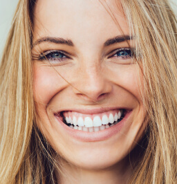 woman smiling with pretty white teeth